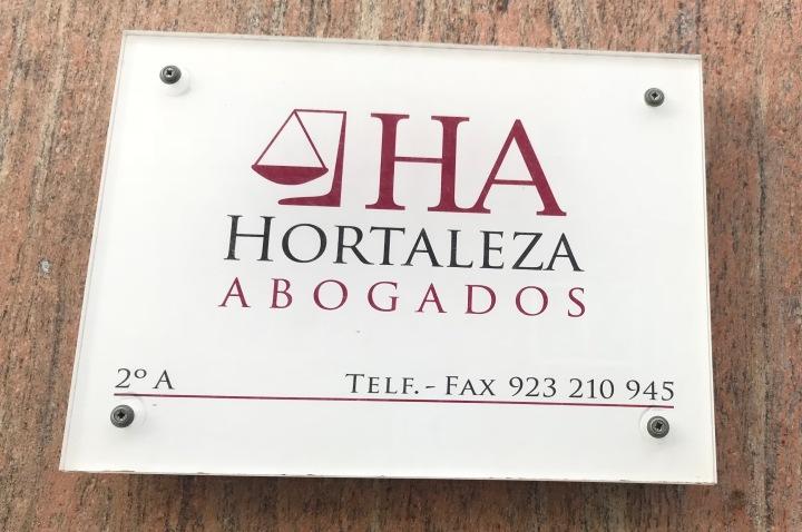 Placa Hortaleza abogados